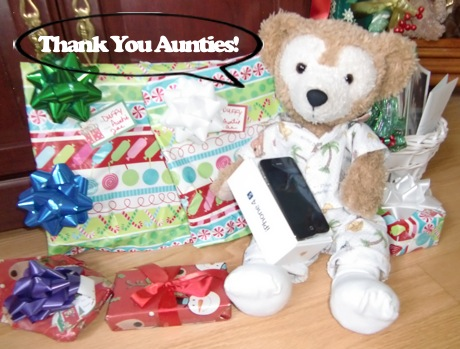 Duffy the Disney Bear got iPhone 4s for Christmas