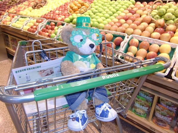 Duffy the Disney Bear Celebrates St. Patrick's Day at Publix