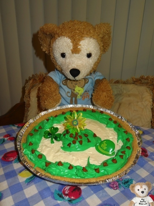 Duffy the Disney Bear makes a special pie or Saint Patrick's Day