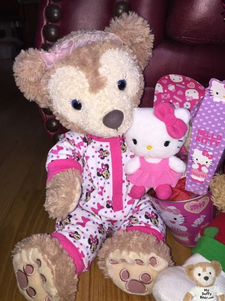 ShellieMay shows off her Valentine's Day gift from Duffy the Disney Bear
